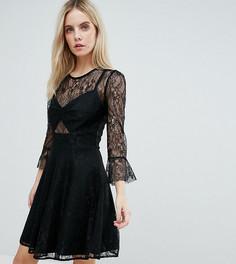 Короткое приталенное платье для выпускного с кружевным верхом John Zack Petite - Черный