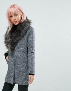 Пальто с меховым воротником New Look - Черный