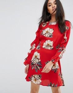Короткое приталенное платье с оборками AX Paris - Красный