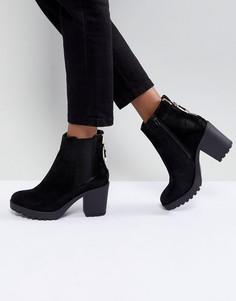 Ботинки с массивным каблуком и молнией на заднике River Island - Черный