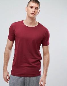 Бордовая обтягивающая футболка Lindbergh - Красный