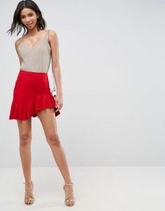 Мини-юбка с закругленным краем и оборкой ASOS - Красный