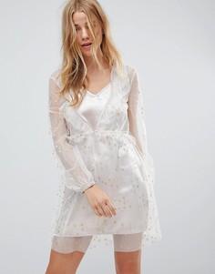 Атласное платье-комбинация с сетчатым верхним слоем Glamorous - Розовый