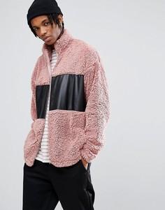 Спортивная оверсайз-куртка из искусственного меха с тканевой вставкой ASOS - Розовый