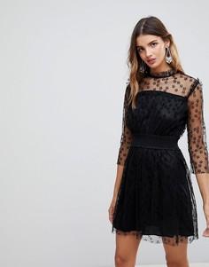 Сетчатое платье с высоким воротом и вышивкой Wal G - Черный