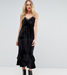 Атласное платье на бретелях с кружевной отделкой Y.A.S Tall - Черный