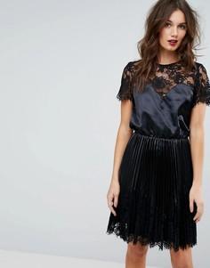 Атласное платье с кружевными вставками Y.A.S - Черный