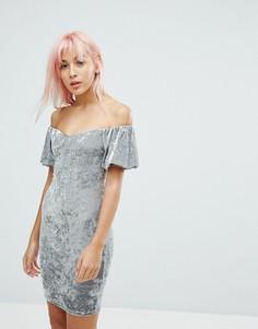 Бархатное облегающее платье с открытыми плечами New Look - Мульти