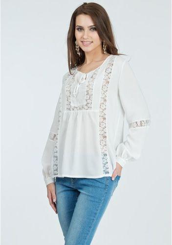 603b1da3855 Белая блузка из легкого хлопка с вискозой — надежная спутница жарким летом!  Эта блузка поражает воображение гармоничным союзом романтичного и  пасторального ...