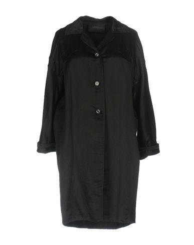 Легкое пальто