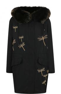 Парка с контрастной вышивкой и меховой отделкой капюшона Yves Salomon