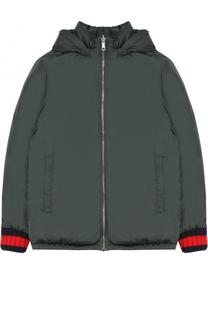 Пуховая куртка с капюшоном и контрастными манжетами Gucci