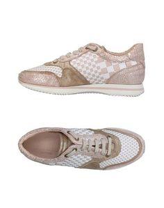 Низкие кеды и кроссовки Pertini