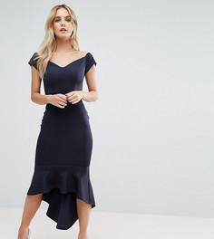 Платье миди с оборками и открытыми плечами John Zack Petite - Темно-синий