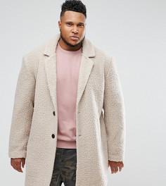 Светло-бежевое свободное пальто из искусственного меха ASOS PLUS - Бежевый
