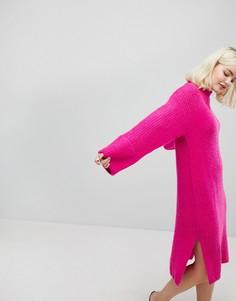 Трикотажное платье с высоким воротом Monki - Розовый