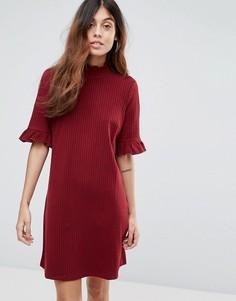 Свободное платье в рубчик с оборками на рукавах Vero Moda - Красный