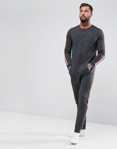 Комбинезон в спортивном стиле с окантовкой и полосками на рукавах ASOS - Серый