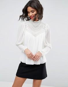 Блузка с отделкой искусственным жемчугом ASOS - Белый