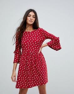 Свободное платье в горошек с оборками QED London - Красный