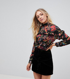 Блузка с высокиим воротом и цветочным принтом Vero Moda Tall - Мульти