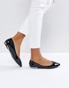 Лакированные туфли на плоской подошве с острым носом New Look - Черный