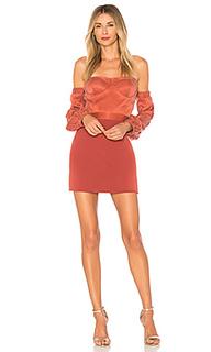 Мини-платье с открытыми плечами sandy - NBD