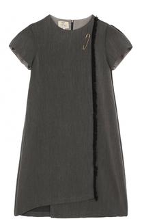 Мини-платье А-силуэта ассиметричного кроя с булавкой и бахромой Caf