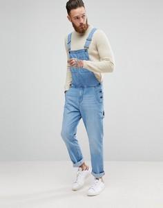 Светлый джинсовый комбинезон ASOS - Синий