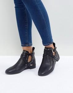 Ботинки на плоской подошве с заклепками Miss KG Seb - Черный