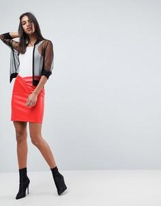 Мини-юбка из фактурной искусственной кожи ASOS - Красный