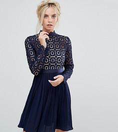 Платье мини с кружевным топом и плиссированной юбкой Little Mistress Petite Premium - Темно-синий