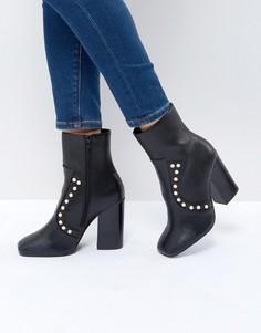 Ботильоны на каблуке с заклепками Boohoo - Черный