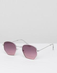 Солнцезащитные очки в серебристой оправе с фиолетовыми стеклами ASOS - Серебряный