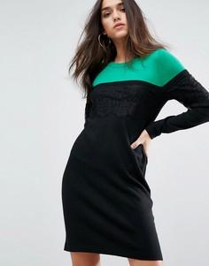 Трикотажное платье мини в стиле колор блок с кружевом ASOS - Мульти