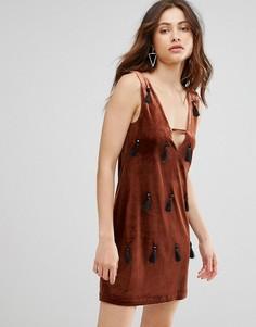Бархатное платье с кисточками Jovonna Murder She Wrote - Коричневый