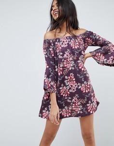 Платье мини с открытыми плечами, расклешенными рукавами и цветочным принтом ASOS - Мульти