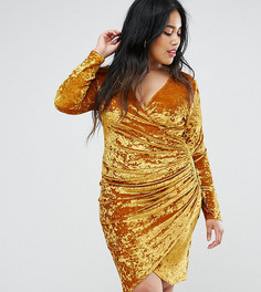 Платье из бархата с глубоким вырезом и сборками Club L Plus - Желтый