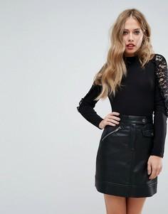 Боди с высоким воротником и кружевными вставками на плечах Fashion Union - Черный