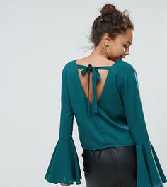Блузка с рукавами клеш и V-образным вырезом Boohoo Petite - Зеленый
