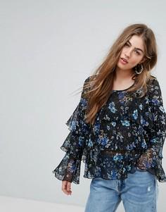 Блузка с цветочным принтом и оборками PrettyLittleThing - Темно-синий
