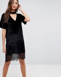 Бархатное платье-футболка с кружевной вставкой на подоле ASOS - Черный