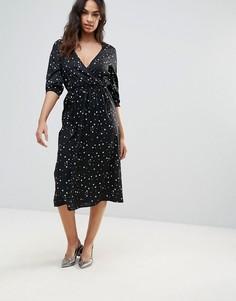 Платье миди с запахом и принтом Influence - Черный