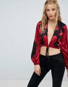 Атласный кроп-топ с длинными рукавами и вышивкой Kiss The Sky - Красный
