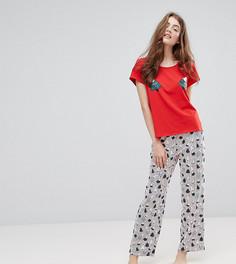 Новогодний пижамный комплект в полоску с принтом елки Monki - Красный