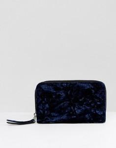 Бархатный кошелек в стиле оверсайз Monki - Темно-синий