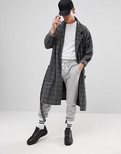 Длинное легкое оверсайз-пальто из флиса в клетку ASOS - Серый