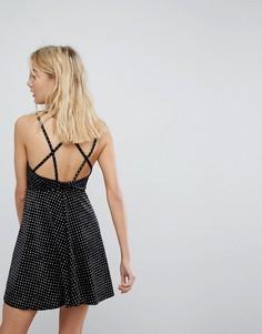 Приталенное бархатное платье в горошек с блестками New Look - Черный