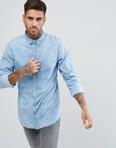 Светлая джинсовая рубашка с эффектом брызг краски New Look - Синий