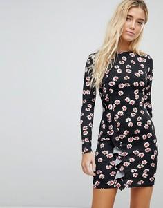 Облегающее платье с цветочным принтом и оборкой Daisy Street - Черный